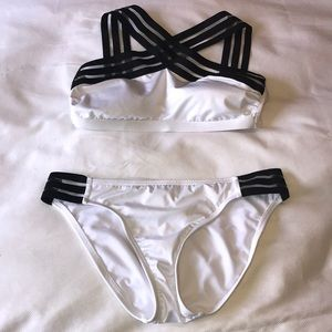 Black and white Kenneth Cole swimsuit size medium